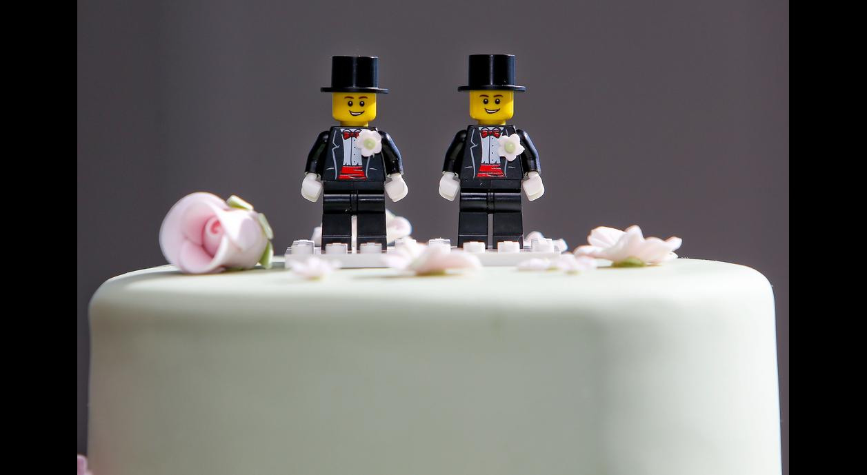 Wedding Cakes Gay  Best Bakers Who Make Gay Wedding Cakes in Las Vegas Pace