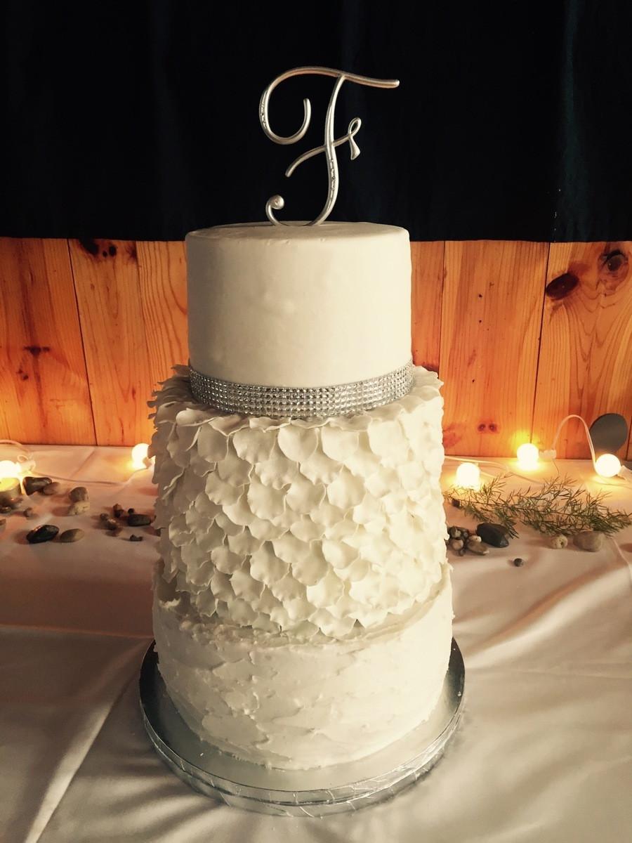 Wedding Cakes Grand Rapids  Gamma s Cakes Wedding Cake Grand Rapids MI WeddingWire