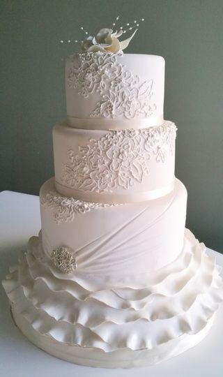 Wedding Cakes Grand Rapids Mi  Sugarberry Designs Wedding Cake Grand Rapids MI