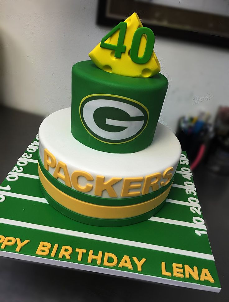 Wedding Cakes Green Bay  17 Best ideas about Packers Cake on Pinterest