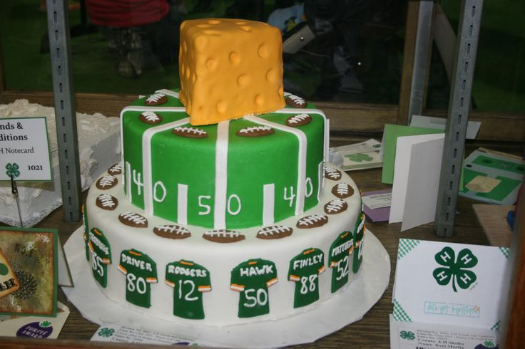 Wedding Cakes Green Bay Wi  30 best Green Bay Packers Cakes images on Pinterest