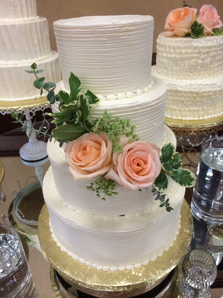 Wedding Cakes Green Bay Wi  Monzu Bakery of Green Bay WI