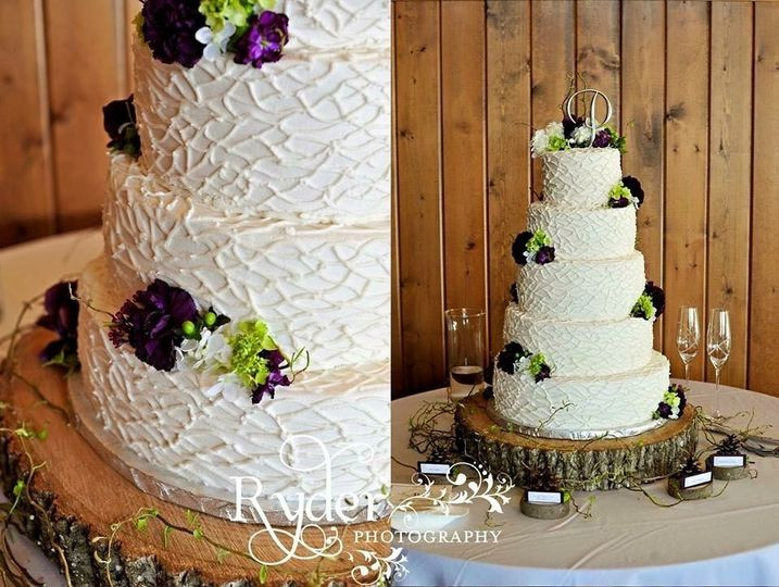 Wedding Cakes Harrisonburg Va  Bazzle s Bakery LLC Wedding Cake Harrisonburg VA