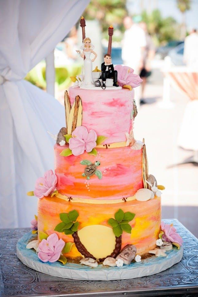 Wedding Cakes Hawaii  17 Tropical Wedding Cakes Perfect for Summer Weddings