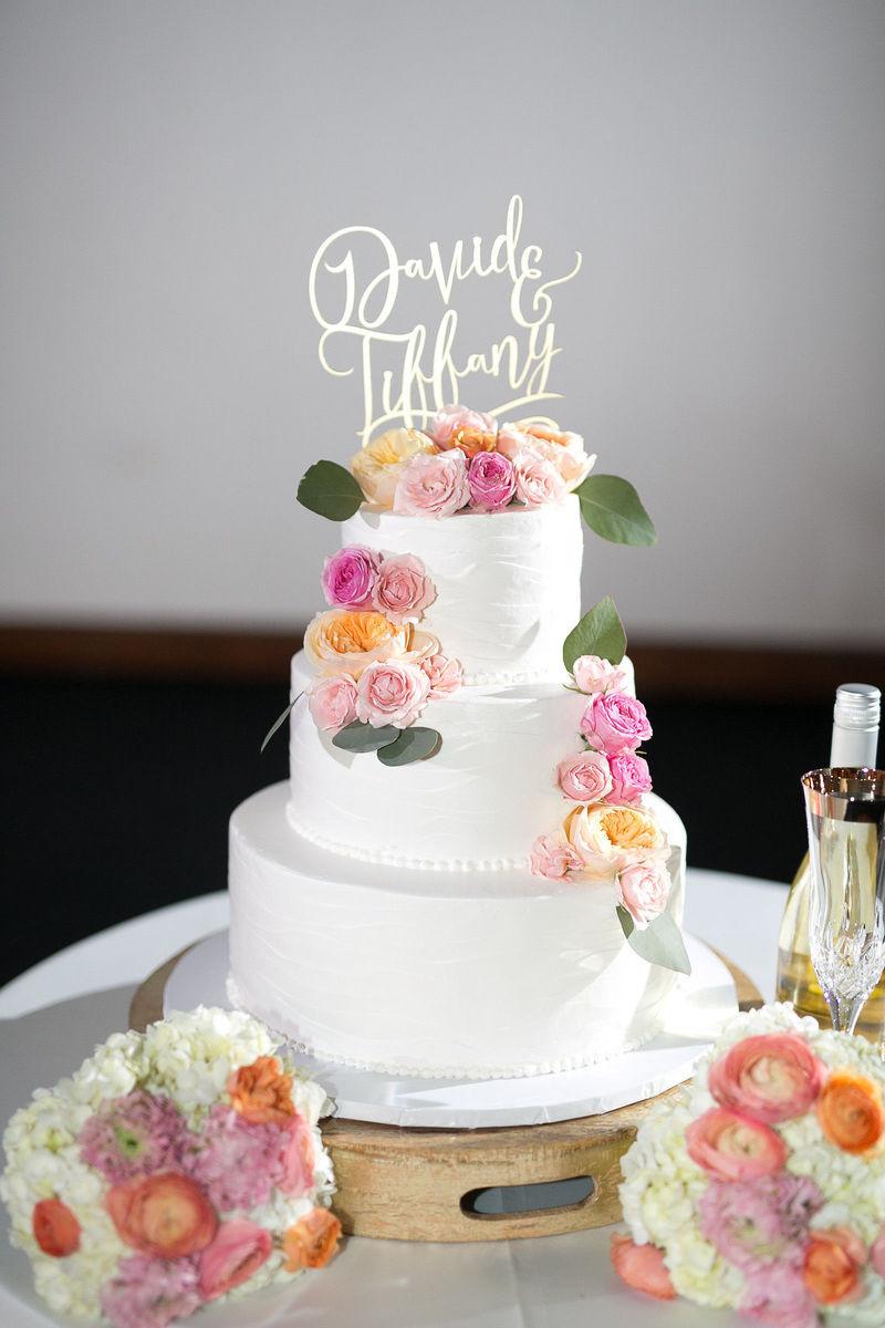 Wedding Cakes Hawaii  King s Hawaiian Bakery Wedding Cake Torrance CA