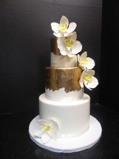 Wedding Cakes Honolulu  CakeWorks Wedding Cake Honolulu HI WeddingWire