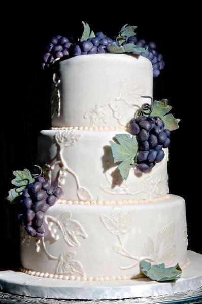 Wedding Cakes Honolulu  VineyardCake001 Honolulu wedding cake