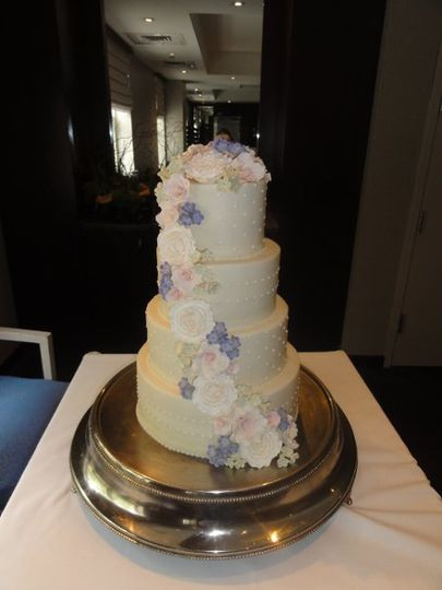 Wedding Cakes Houston Tx  Who Made the Cake Reviews & Ratings Wedding Cake Texas