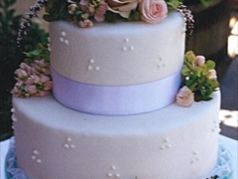 Wedding Cakes Idaho Falls  Wedding cakes idaho falls idea in 2017