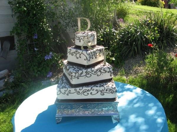 Wedding Cakes Idaho Falls  Family Ties Catering and Cakes Wedding Catering Idaho