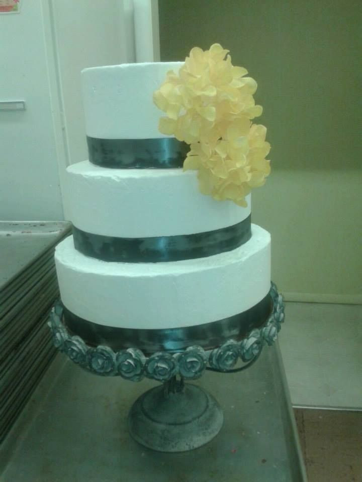 Wedding Cakes Idaho Falls  10 best Idaho Cakes & Dessert panies images on