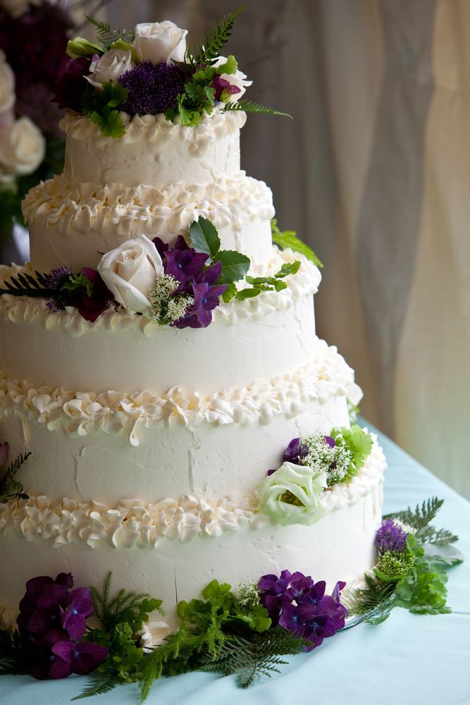 Wedding Cakes In Pigeon Forge Tn  A beautiful white wedding cake with purple and white