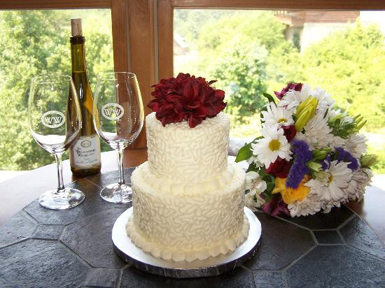 Wedding Cakes In Pigeon Forge Tn  Wedding cake from Cakes by Bakin Bishop Picture of