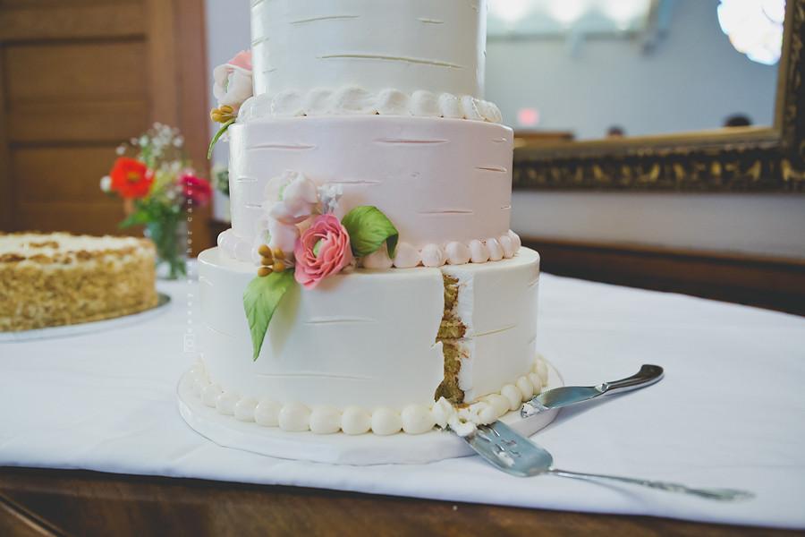 Wedding Cakes Indianapolis  Indianapolis Wedding grapher