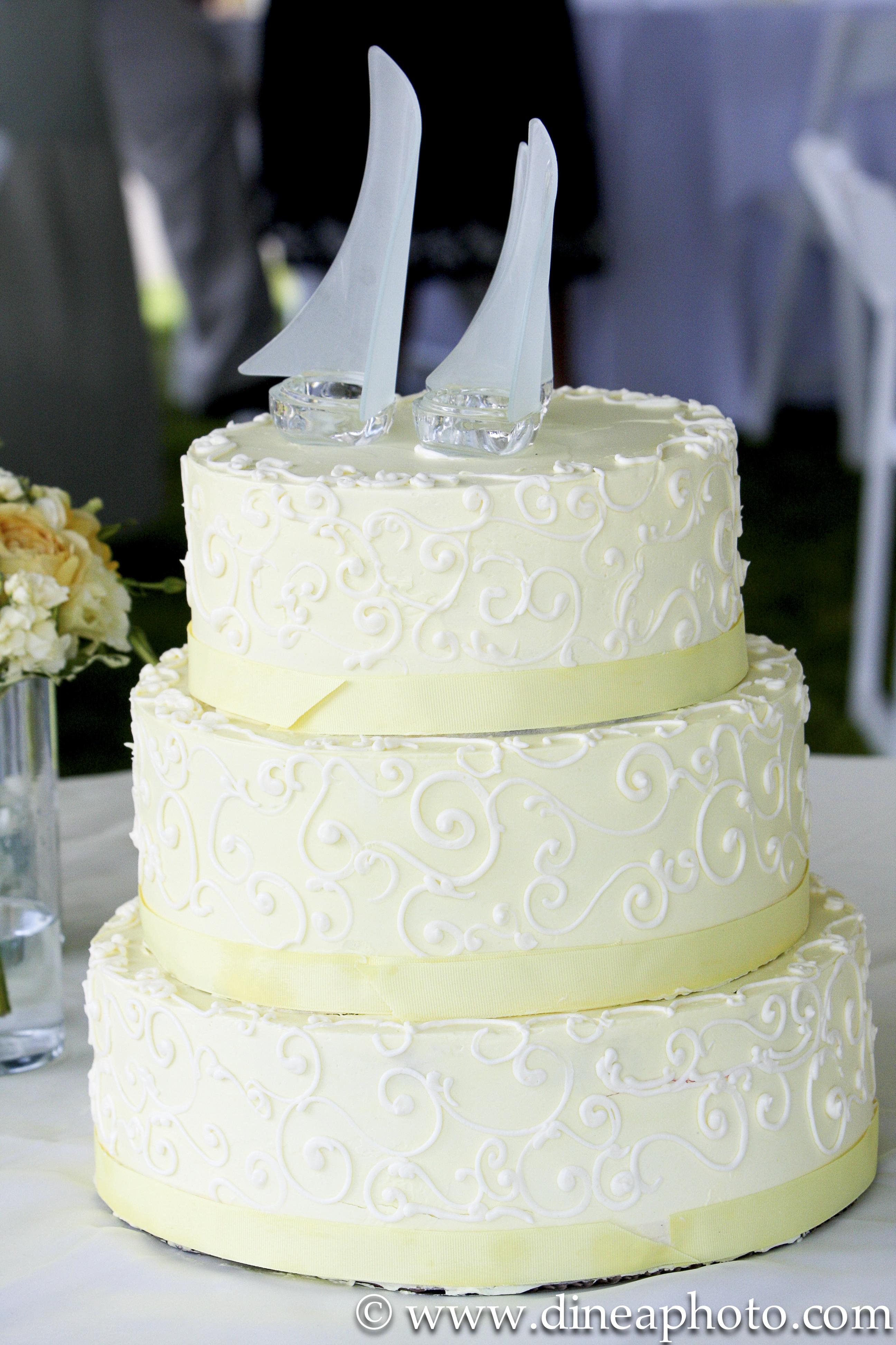 Wedding Cakes Ingredients  Yellow wedding cake recipe idea in 2017