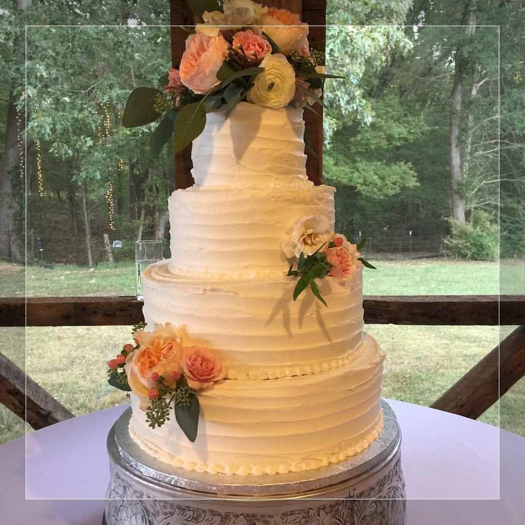 Wedding Cakes Jackson Ms  Wedding Cakes Memphis Wedding graphy