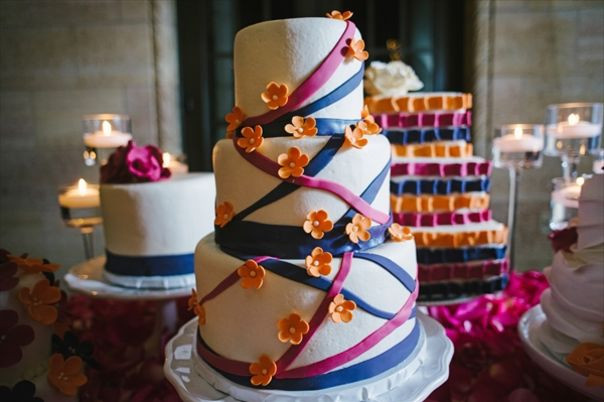 Wedding Cakes Kansas City Mo  Wedding Cake Bakeries in Kansas City MO The Knot