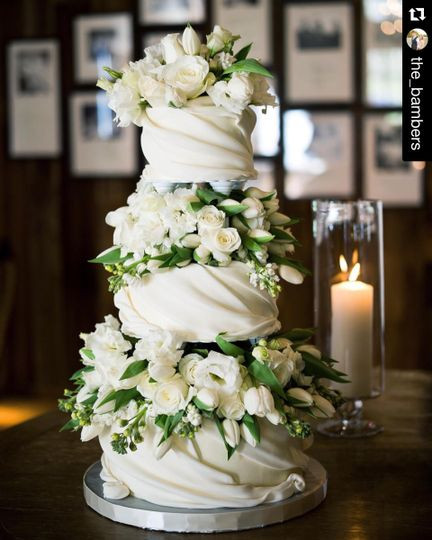 Wedding Cakes Knoxville Tn  Magpies Bakery Wedding Cake Knoxville TN WeddingWire