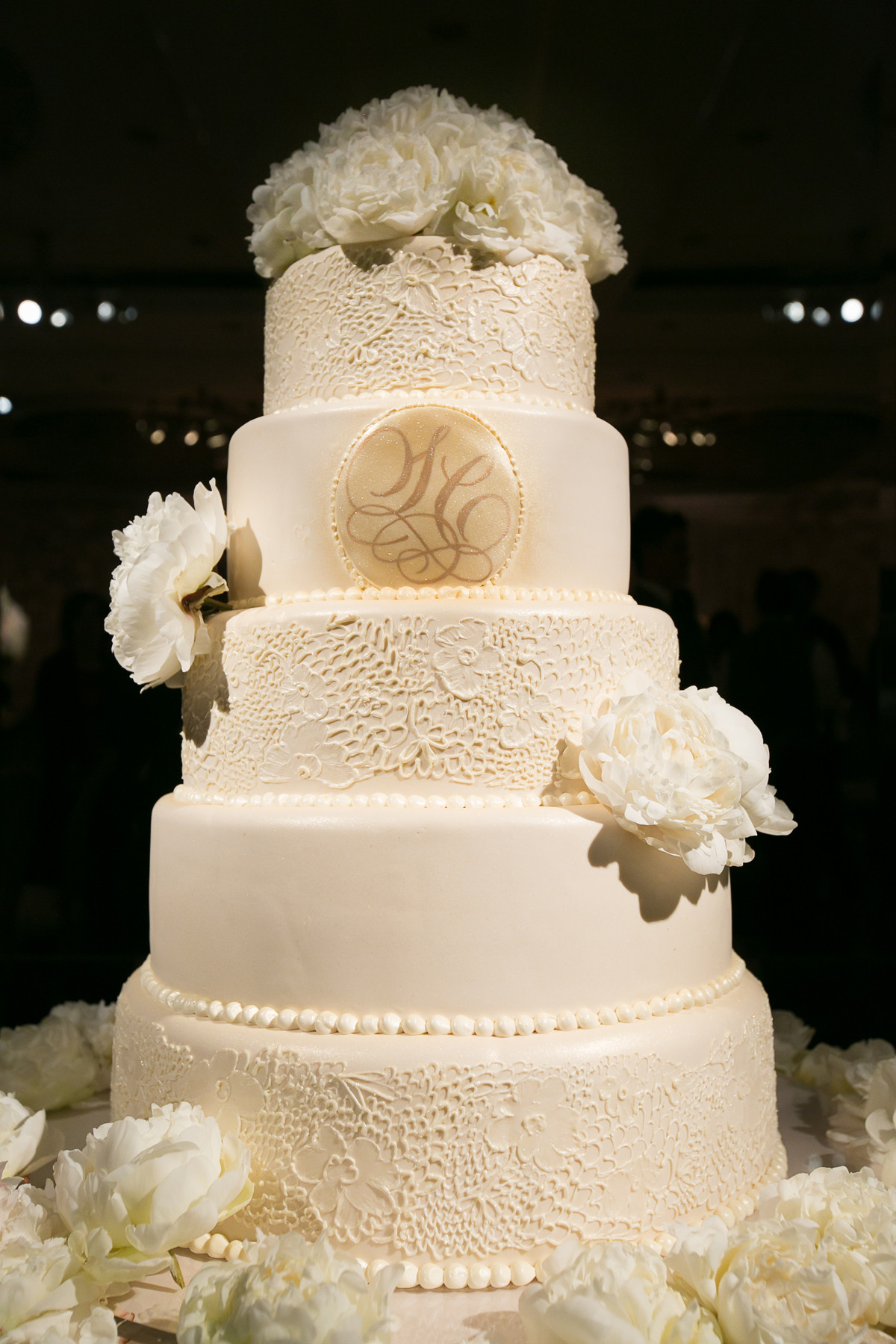 Wedding Cakes Lace  Wedding Cakes Pretty Wedding Confections with Lace