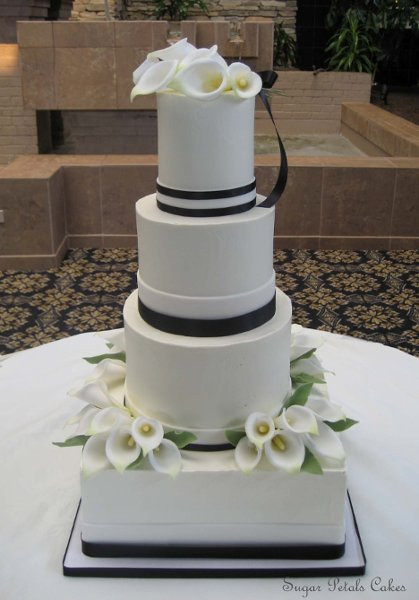 Wedding Cakes Lancaster Pa  Sugar Petals Cakes Lancaster PA Wedding Cake