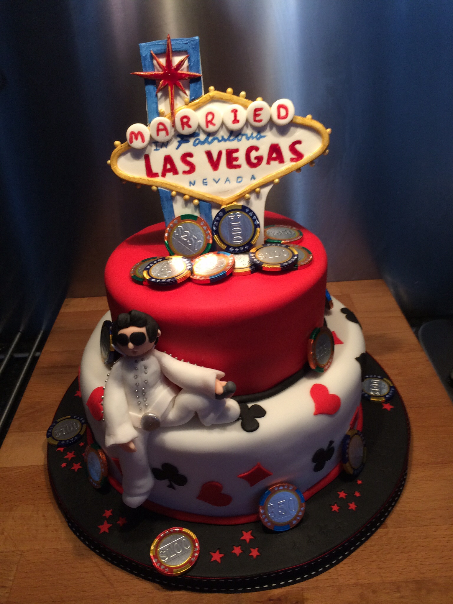 Wedding Cakes Las Vegas  Las vegas wedding cakes idea in 2017