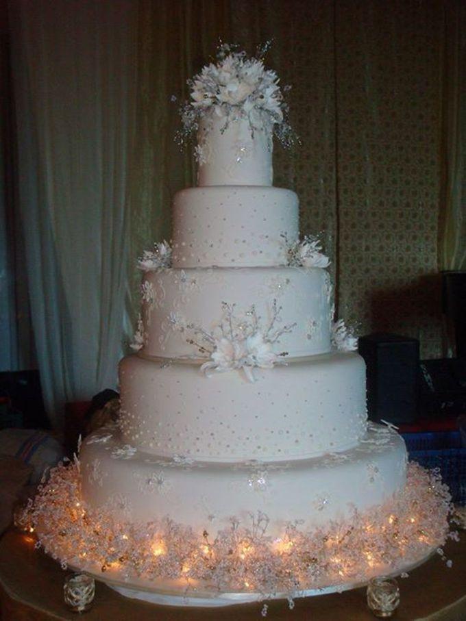 Wedding Cakes Layers  5 layers Wedding Cakes by LeNovelle Cake