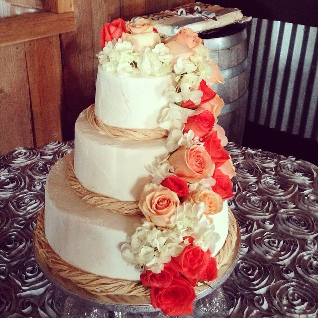 Wedding Cakes Lexington Ky  Mondelli s Bakeshop