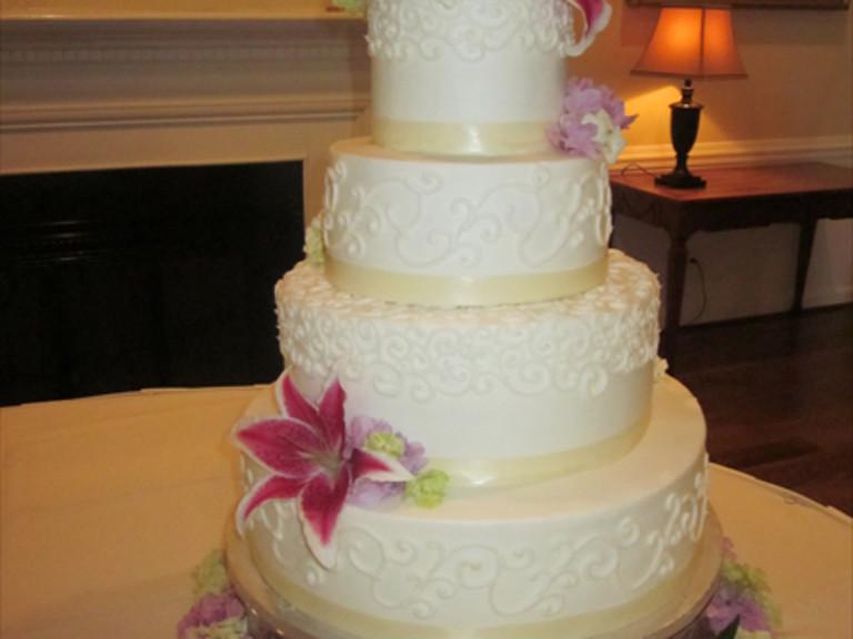 Wedding Cakes Lexington Ky  Kentucky Weddings