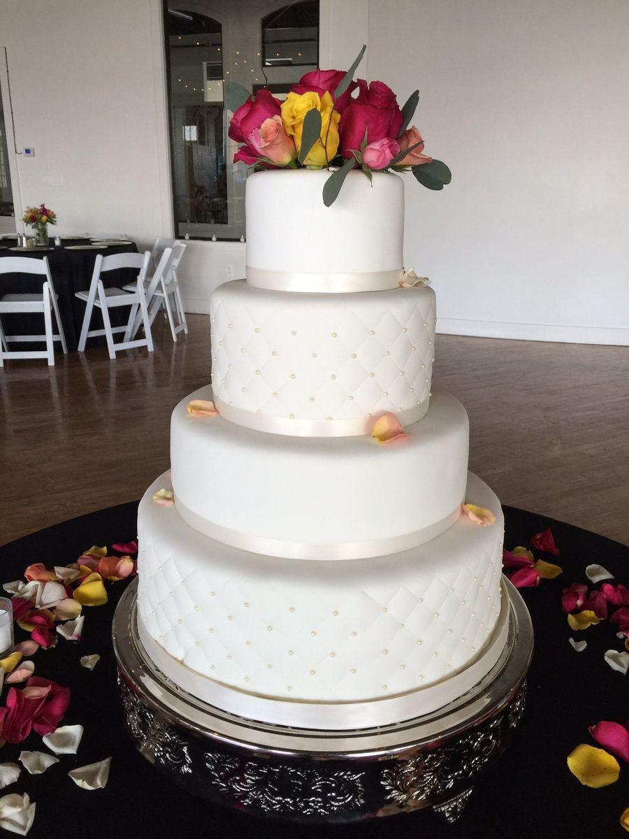 Wedding Cakes Lexington Ky  Lady A Cakes Wedding Cake Louisville KY WeddingWire