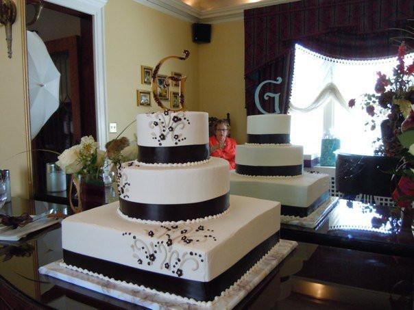 Wedding Cakes Lincoln Ne  Bundt Cake Bakery In Omaha Ne Nothing Bundt Cakes