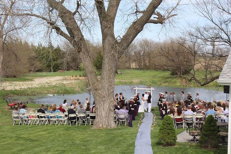 Wedding Cakes Lincoln Ne  Top Barn Wedding Venues