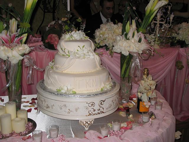 Wedding Cakes Los Angeles  Wedding cakes los angeles idea in 2017