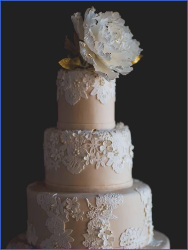 Wedding Cakes Louisville Ky  Wedding Cake Louisville Ky