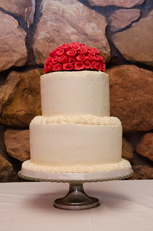 Wedding Cakes Madison Wi  Real Green Wedding Going Local Organic to reduce your