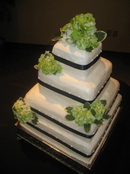 Wedding Cakes Manhattan Ks  Blue Sky Cake Designs Wedding Cake Missouri Kansas