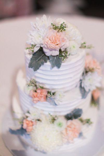 Wedding Cakes Manhattan Ks  Romantic Manhattan Kansas Wedding at Houston Street