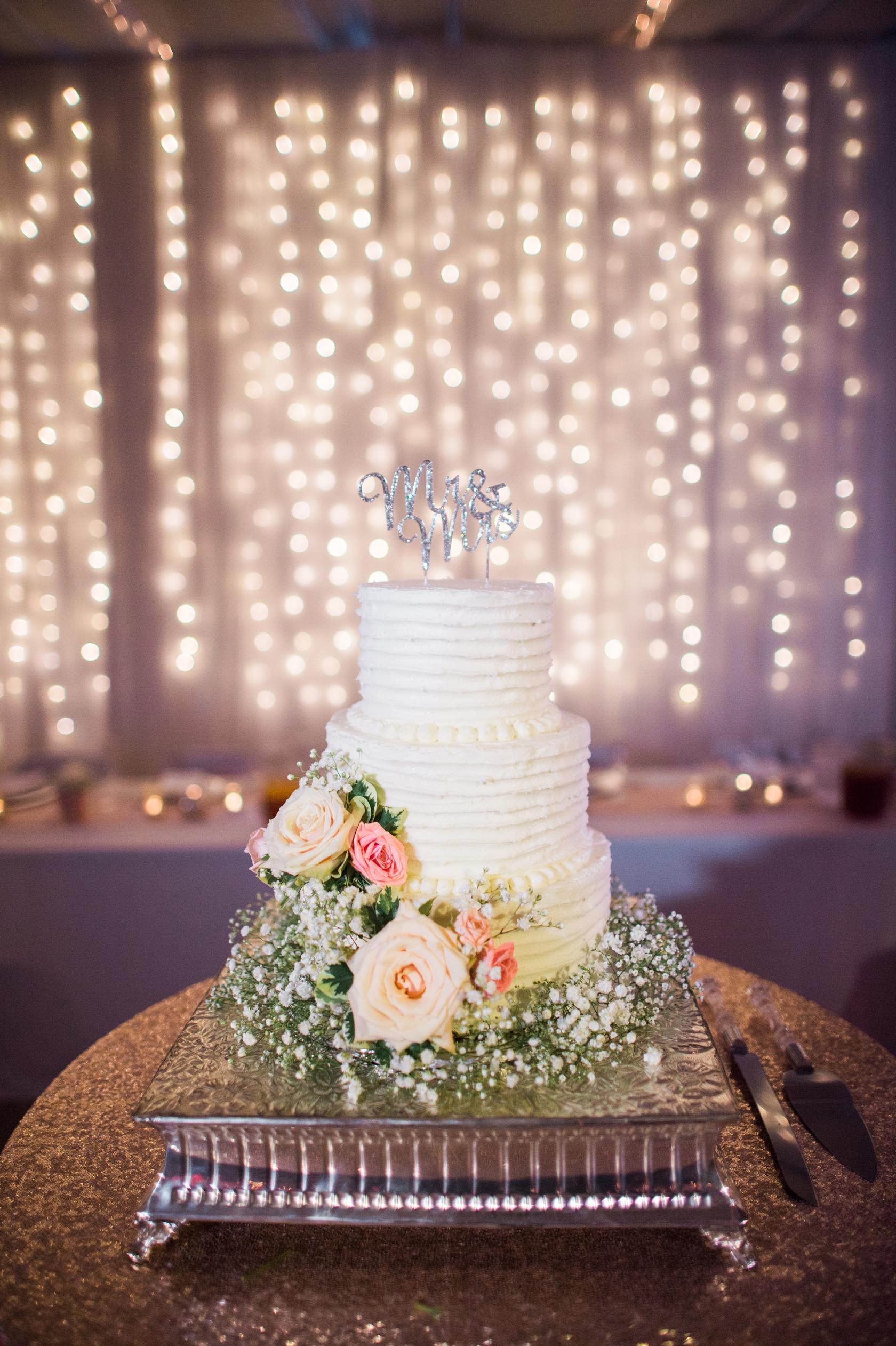 Wedding Cakes Manhattan Ks  Beautiful Isolations graphy LLC Manhattan KS