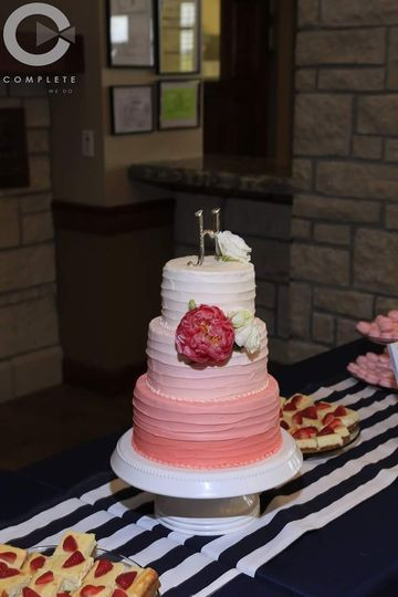 Wedding Cakes Manhattan Ks  4 Cakes s Wedding Cake Kansas Topeka and