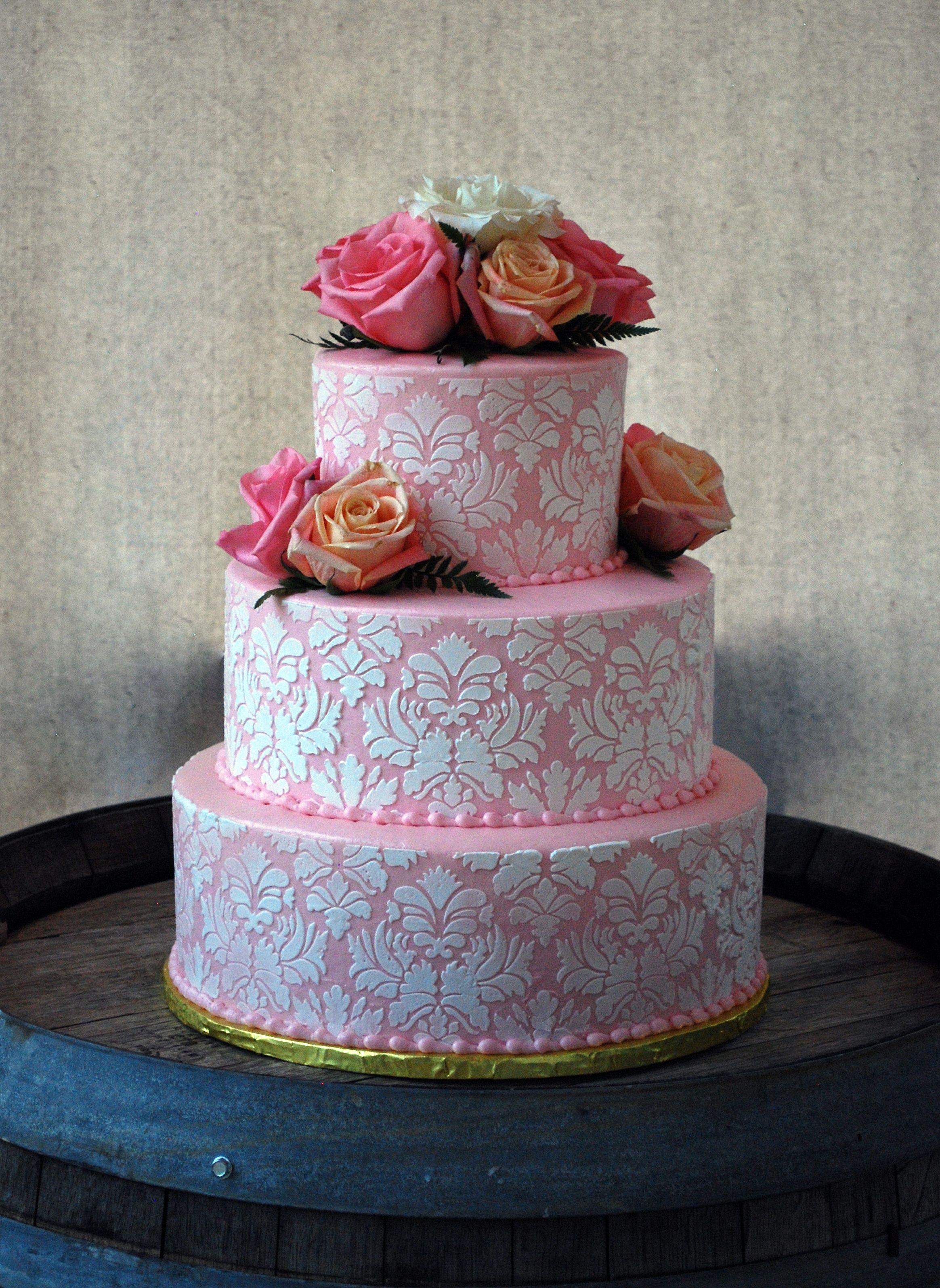 Wedding Cakes Medford Oregon  Pink and White Damask Round Wedding Cake with roses set