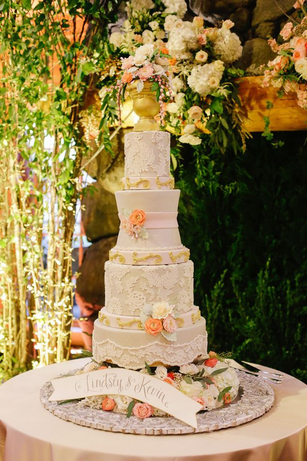 Wedding Cakes Memphis  Colorfully Chic Memphis Wedding at the Zoo