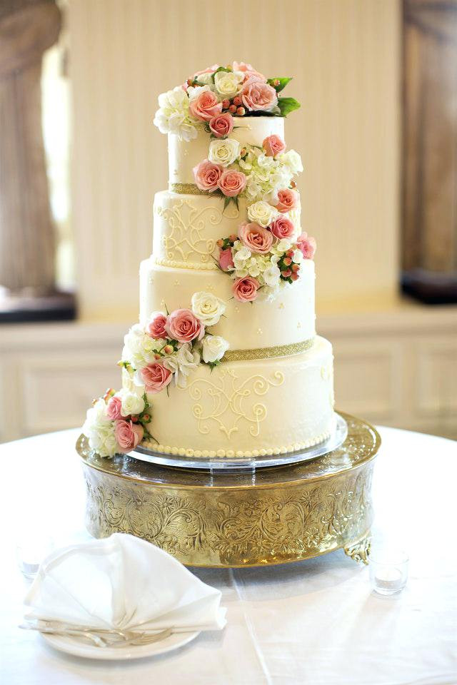 Wedding Cakes Milwaukee  Wedding Cakes Milwaukee Wh Affordable In Wi Prices