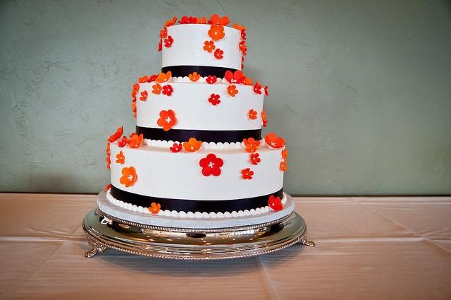 Wedding Cakes Milwaukee  Wedding cake milwaukee idea in 2017