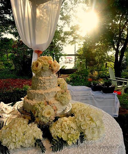 Wedding Cakes Mobile Al  A Lovely Alabama Wedding Leslie Anne Tarabella