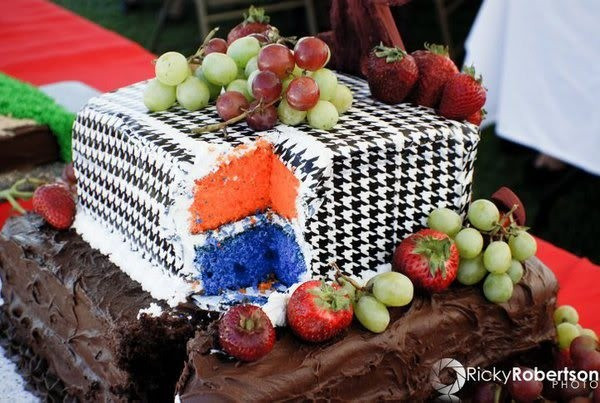 Wedding Cakes Mobile Al  A gallery of eye popping Alabama and Auburn themed