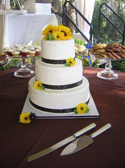 Wedding Cakes Modesto Ca  A Baker s Place Wedding Cake Modesto CA WeddingWire