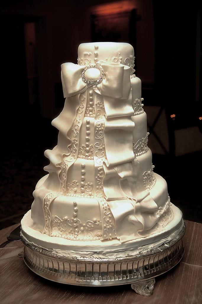 Wedding Cakes Naples Fl  Elegant Jewish Wedding at The Ritz Carlton in Naples