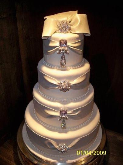 Wedding Cakes Nashville Tn  Jay Qualls Cakes Wedding Cake Nashville TN WeddingWire