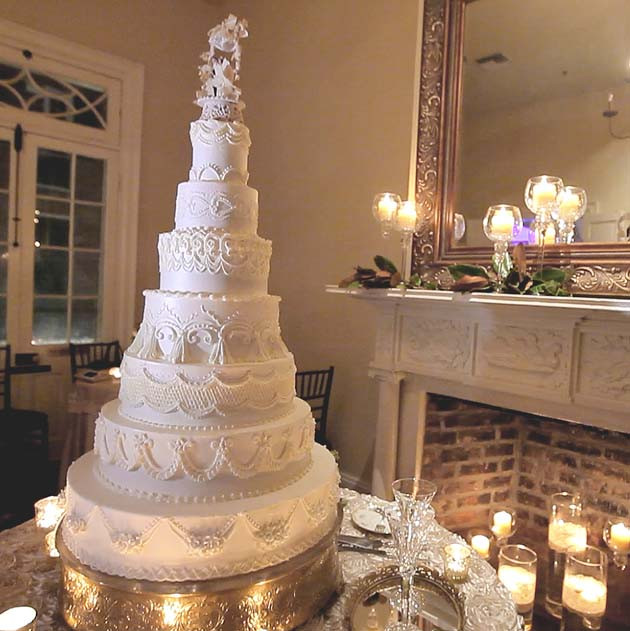 Wedding Cakes New Orleans  Wedding cake new orleans idea in 2017