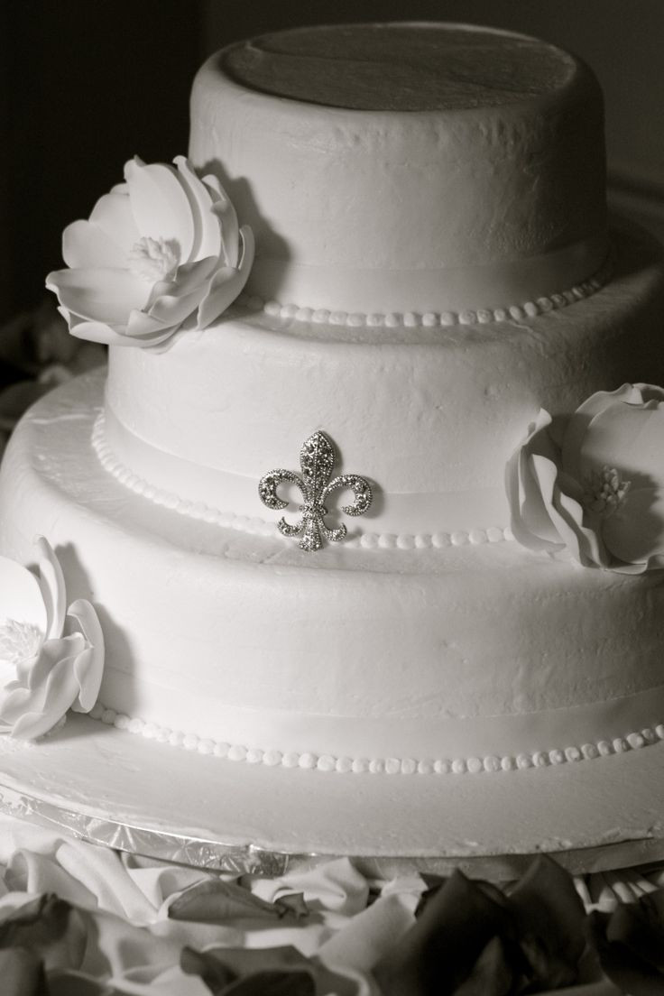 Wedding Cakes New Orleans  New orleans wedding cakes idea in 2017