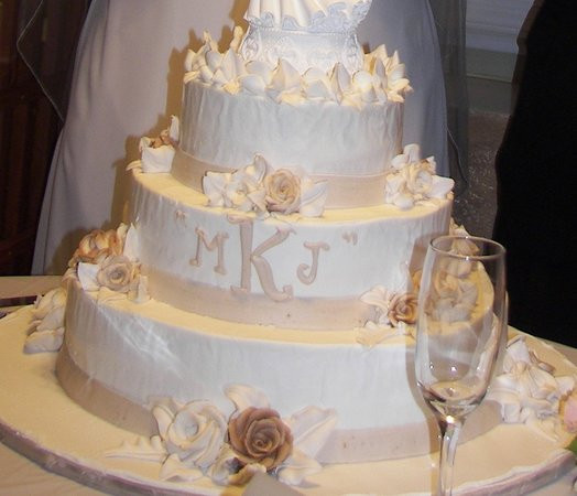 Wedding Cakes New Orleans  New orleans wedding cake idea in 2017